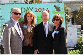 Left to right, California Cut Flower Commission CEO Kasey Cronquist, Visit California CEO Caroline Beteta, Governor Brown and CDFA Secretary Karen Ross.