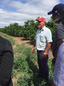 Australian citrus farmer Frank Mercuri greeting the Climate Smart Agriculture delegation.