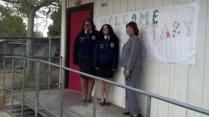 Secretary Ross with Antelope Valley High School FFA members.