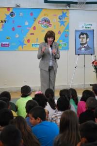 Secretary Ross speaks to students at Chatom Elementary School