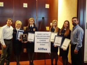 The award-winning dairycattle evaluation team from Petaluma FFA