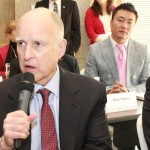 Governor Brown offers comments at the Shanghai forum