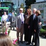California Cut Flower Commission CEO Kasey Cronquist, Visit California CEO Caroline Beteta, Governor Brown, and CDFA Secretary Karen Ross