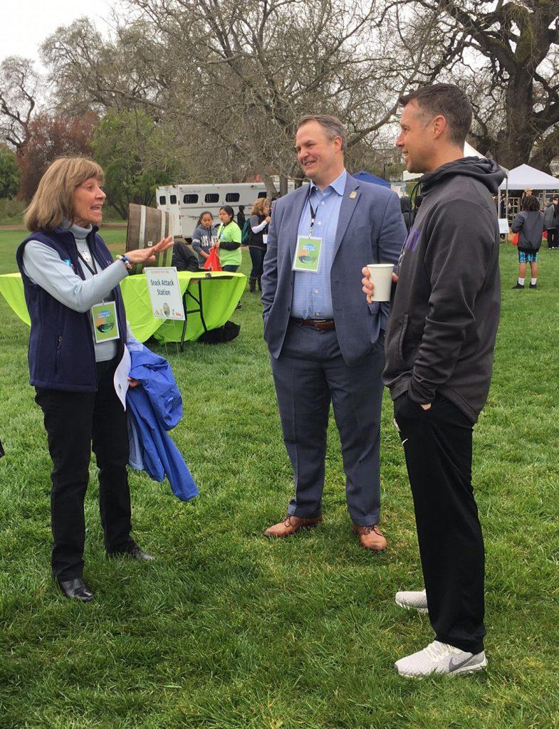 Secretary Ross with CFBF Adminstrator Jim Houston and Sacramento Kings Coach Dave Joerge